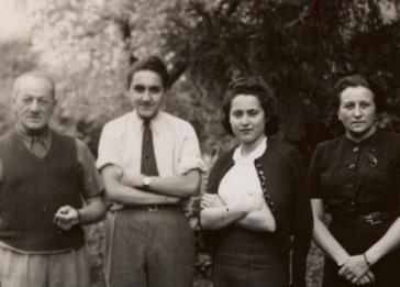 Group portrait of Jewish refugess in France. Pictured are Robert and Peter Tritsch, and Margit and Lilly Morawetz.