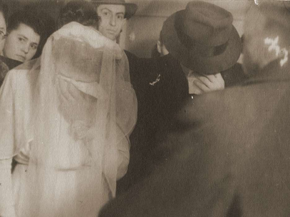 Wedding of Hinda Chilewicz and Walek Luksenburg.