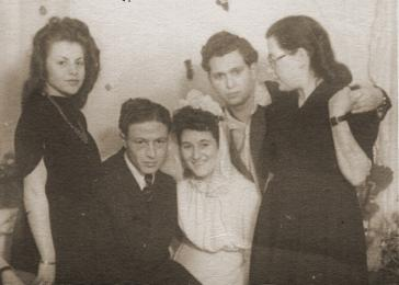 Wedding of Hinda Chilewicz and Welek Luksenburg in the Weiden displaced persons' camp.