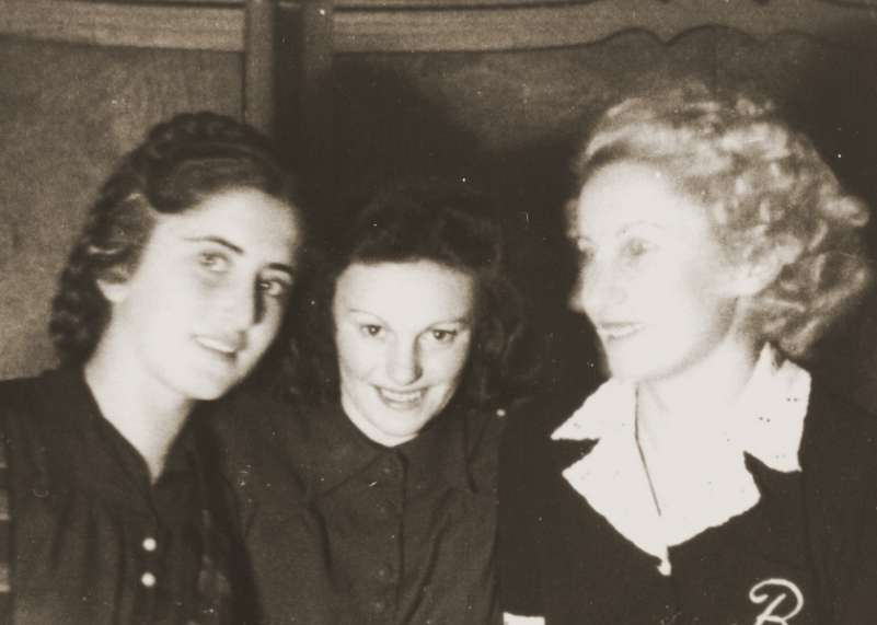 Erika Neuman, Celine Osterow and Beatrice Neuman pose in the Cernauti ghetto.