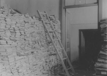A collection of books in the synagogue, Minsk, in May 1943.
