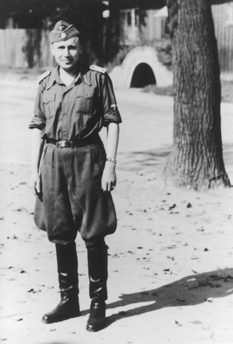 "Karl Höcker; the original caption reads ""Sommer 1944""."