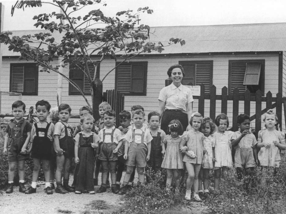 Group portrait of Jewish refugee preschoolers at the Christobal Colon school in Sosua.