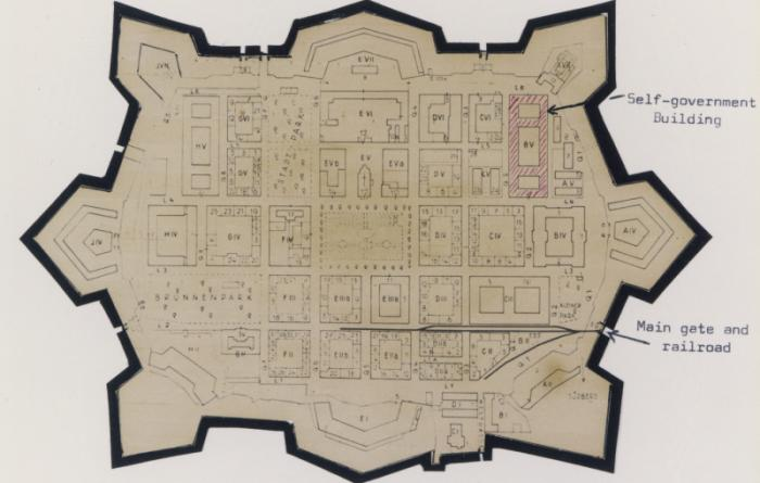 Map of Theresienstadt from an original document (1942–1945) and mounted in an album assembled by a survivor.