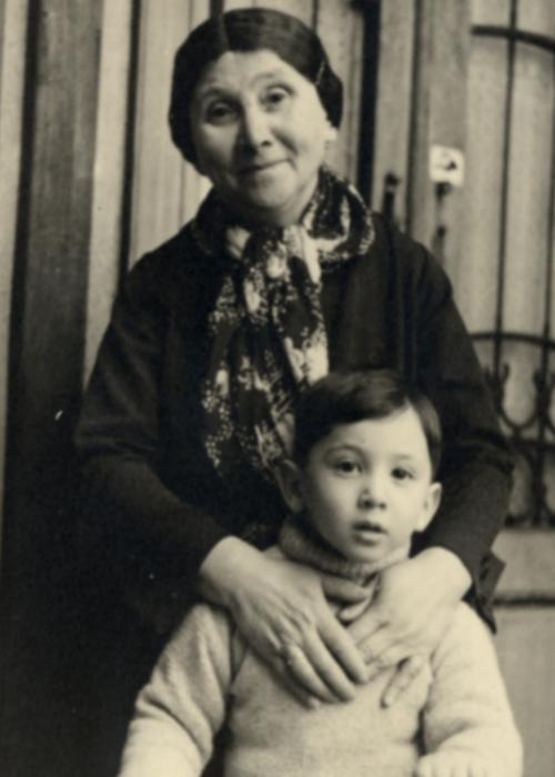 Rosa Braun Mandel poses with her grandson Manny in his apartment in Budapest.