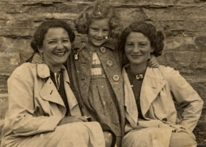 Halina Litman stands between her mother, Olga Litman (Schreiber), and her aunt, Irena Keh (Irka), in a pre-war photograph. Halina's aunt perished in the Holocaust.