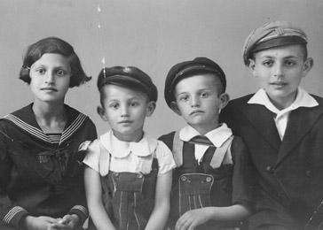 Laos and his wife, Frida, had five children. Pictured here are (from left) Judit, Tibor, Zoltán, and Pál. Hajdúnánás, Hungary, 1936.