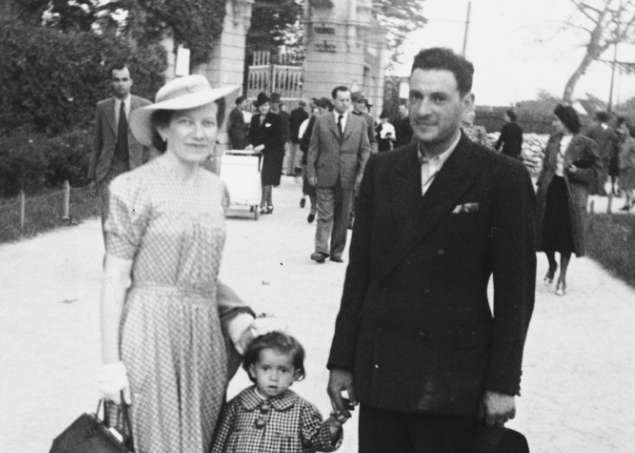 Teodora with her parents on an outing to the zoo. Zagreb, Yugoslavia, May 26, 1940.