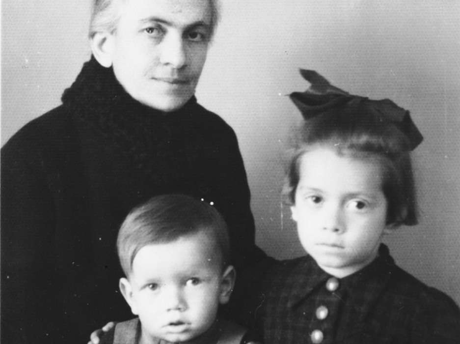 Teodora with her brother Zdravko and their Aunt Giza, who sheltered them for most of the war.