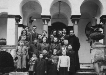 Jewish refugee children in Calvas de Malavella. Among those pictured is Michel Margosis.>