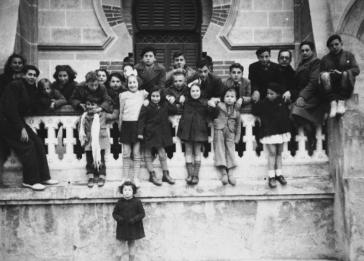 Jewish refugee children in Calvas de Malavella. Among those pictured is Michel Margosis.