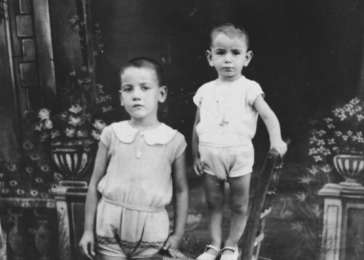 Isaac (left) and his brother Samuel (right).