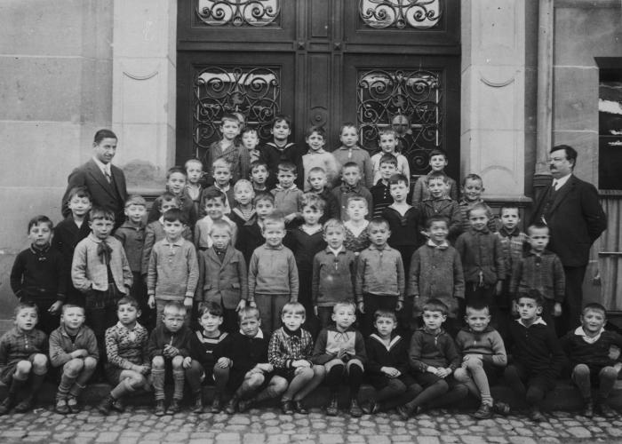 Class portrait of first grade students at the Lessingschule in Freiburg, Germany. Gerd Schwab was the only Jewish pupil in the school.