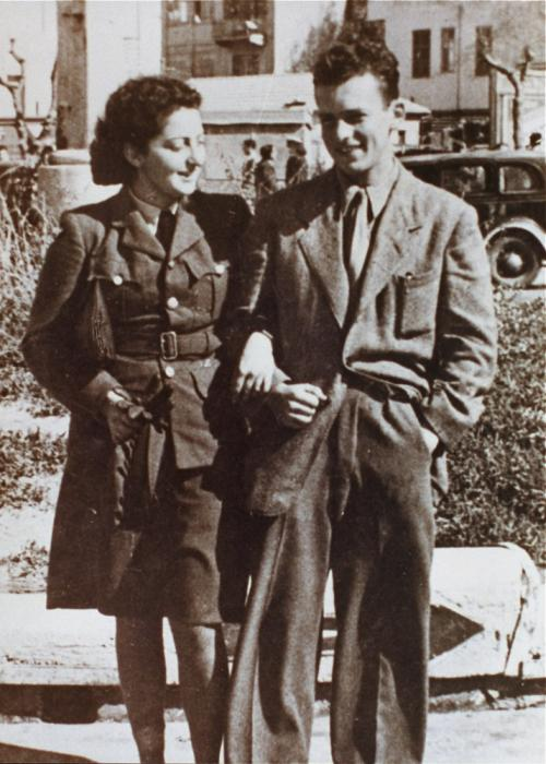 Hannah Szenes greets her brother Giora on his arrival in Palestine. <i>US Holocaust Memorial Museum, courtesy of Beit Hannah Senesh</i>