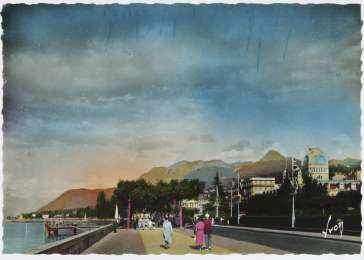 Postcard showing Evian-les-Bains at the time of the 1938 International Conference on Refugees.