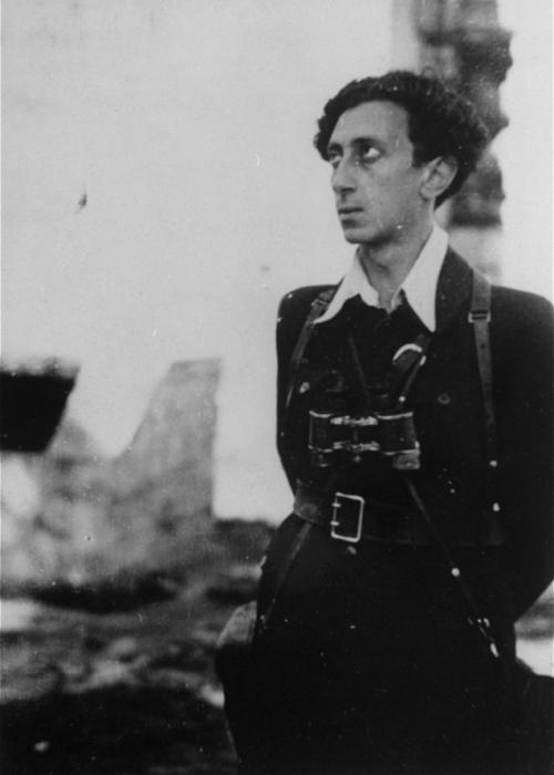 Abba Kovner (1918-1988) in Vilna after the fall of the city to the Red Army. Kovner, a Zionist youth leader from Hashomer Hatzair, played a key role in the founding of the United Partisan Organization, FPO (Fareynegte Partizaner Organizatsye), in wartime Vilna. <i>US Holocaust Memorial Museum, courtesy of Vitka Kempner Kovner</i>