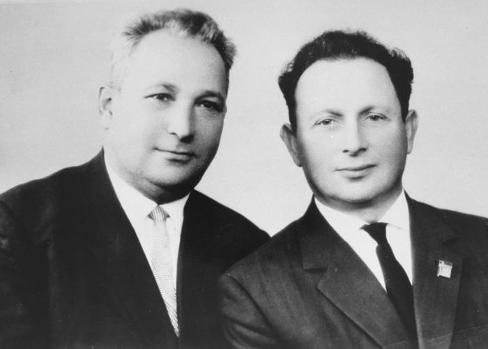 "Lt. Aleksandr ""Sasha"" Aronovich Pechersky (left). <i>US Holocaust Memorial Museum, courtesy of Yad Vashem Photo Archives</i>"