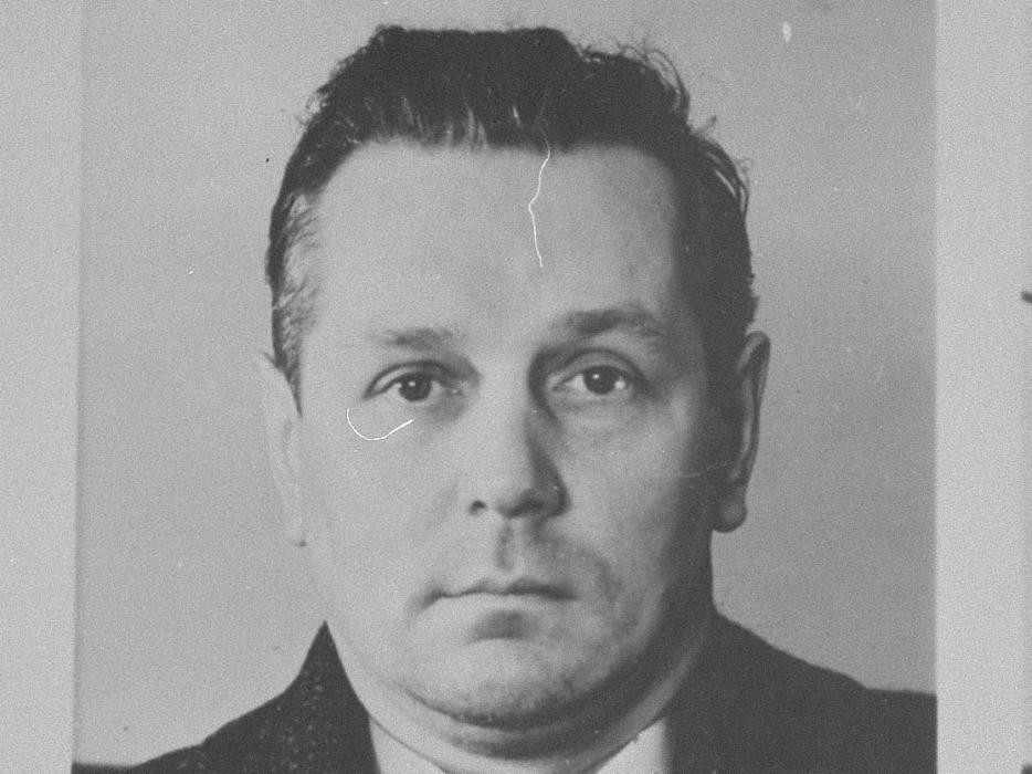 Friedrich Althoff (b. May 16, 1899), a waiter from Duesseldorf.