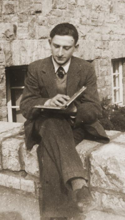 Gerd Zwienicki studies outside the Wuerzburg Jewish teachers seminary shortly before it was closed down on Kristallnacht.