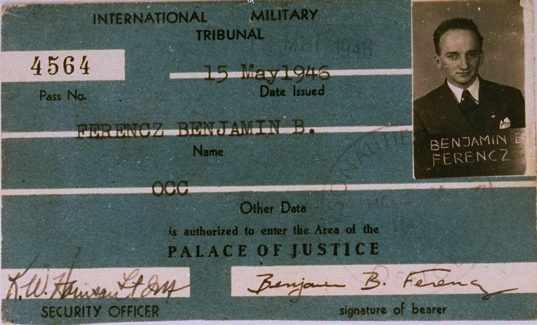 The International Military Tribunal identification card of Benjamin Ferencz, the chief prosecutor of the Einsatzgruppen Trial.<i>US Holocaust Memorial Museum, courtesy of Benjamin Ferencz</i>