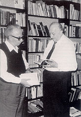 Joseph Wulf (left) in his study with Simon Wiesenthal. Berlin, July 1974.