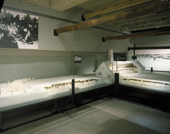 A scale model of crematorium II at Auschwitz-Birkenau on display in the permanent exhibition. The model was sculpted by Mieczyslaw Stobierski based on contemporary documents and the trial testimonies of SS guards.