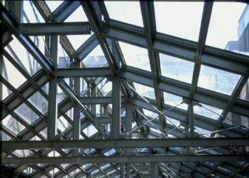 Tensioned ribbing of heavy steel trusses above the Hall of Witness.