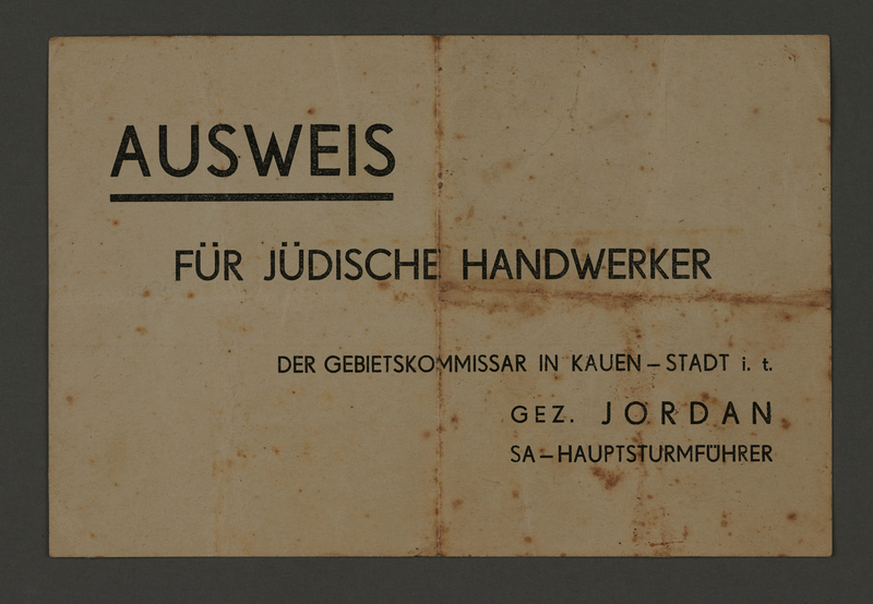 1995.89.318 front Identification certificate for Jewish manual laborers in the Kovno ghetto