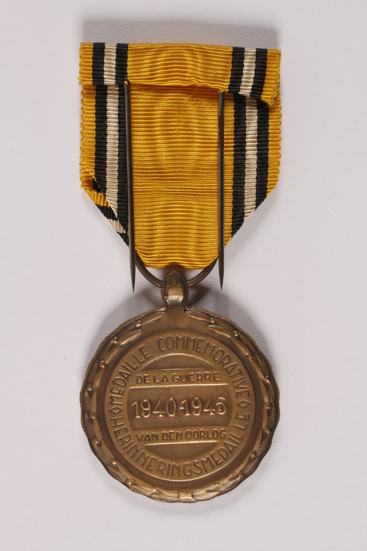 2014.427.2 a back Commemorative Medal of War by a Belgian soldier and former POW