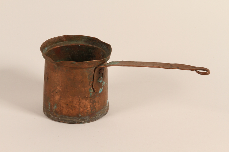 1989.319.9 front Pot used by a Romanian Roma