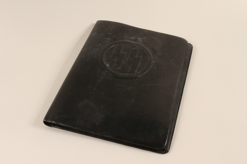 1996.55.1 front SS embossed portfolio cover