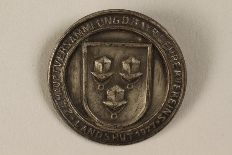 1996.75.17 front Bavarian Teachers' Union pin