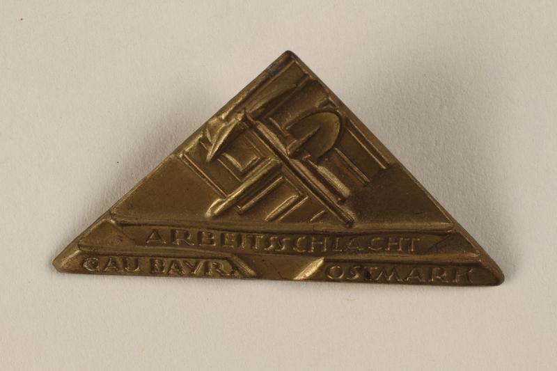 1996.75.18 front Nazi labor service badge