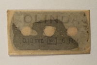 1997.112.7_e front Box of razor blades issued to a US soldier while held as a POW in a German Stalag  Click to enlarge