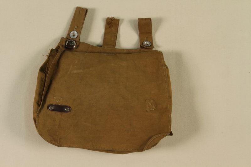 1997.116.1.7 closed SA uniform satchel
