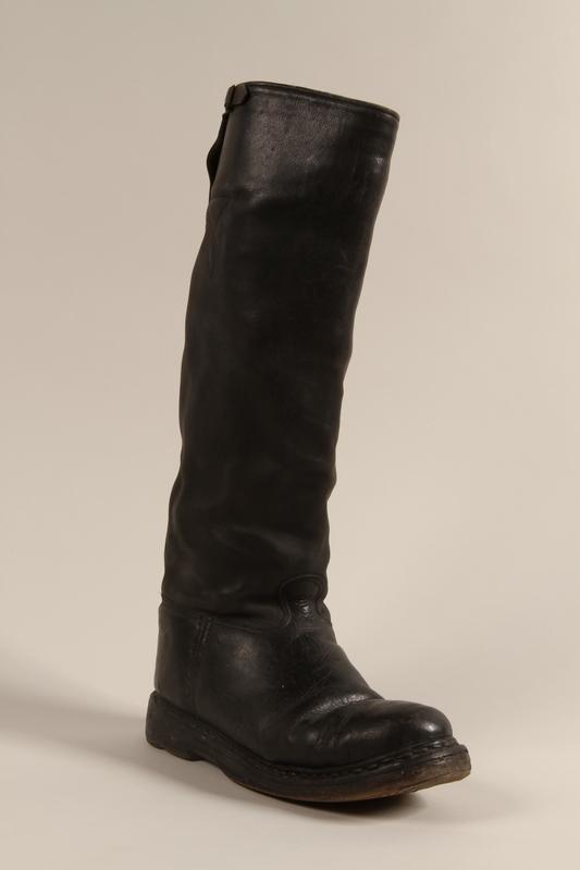 1997.116.3.4 b front SA uniform boots