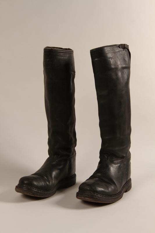 1997.116.3.4 a-b front SA uniform boots