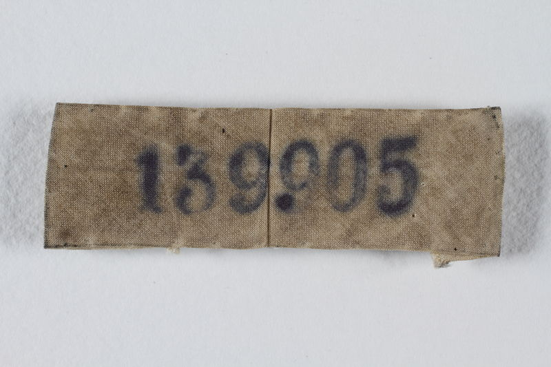 1997.18.1 front ID patch stenciled 139905 worn by a Polish Jewish concentration camp inmate
