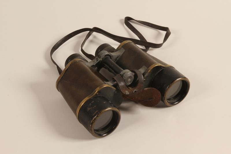 1997.37.1 a front Binoculars