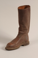 1997.73.1 b front Boots  Click to enlarge