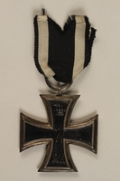 1998.131.1_a front WWI Iron Cross 2nd Class medal  Click to enlarge