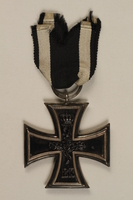 1998.131.1_a back WWI Iron Cross 2nd Class medal  Click to enlarge