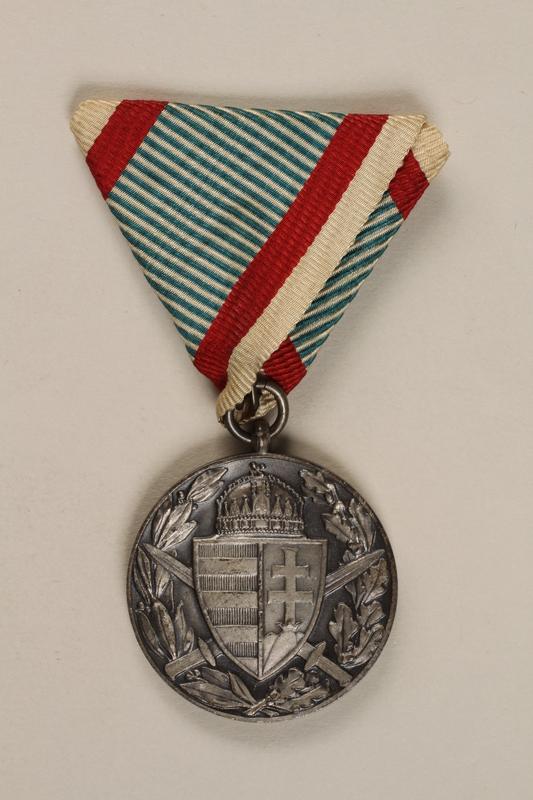 1998.131.4 front Medal
