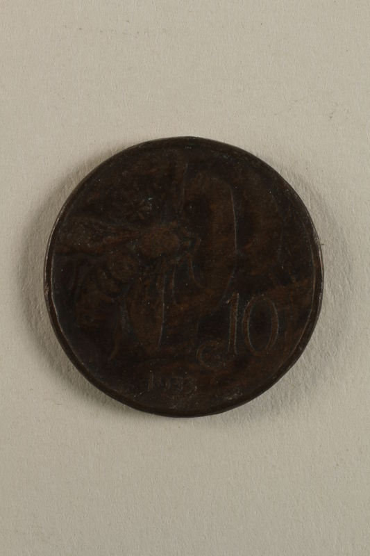 1998.62.35 back Coin