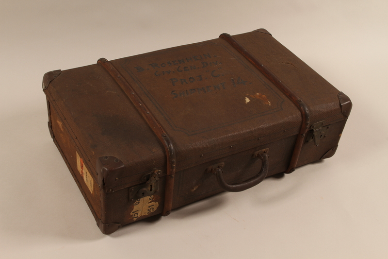 1998.89.1 front Suitcase carried by a Jewish girl on a Kindertransport to the United Kingdom