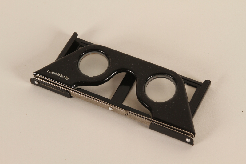 1998.92.1.1 closed Stereoscopic viewing glasses to accompany book with stereoscope views on German naval history