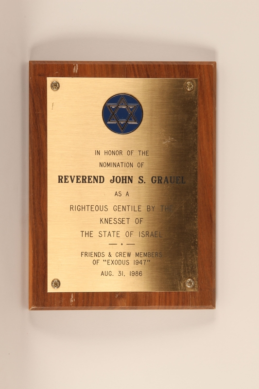 1999.168.4 front Plaque awarded by the Israeli Knesset to honor a Righteous Gentile