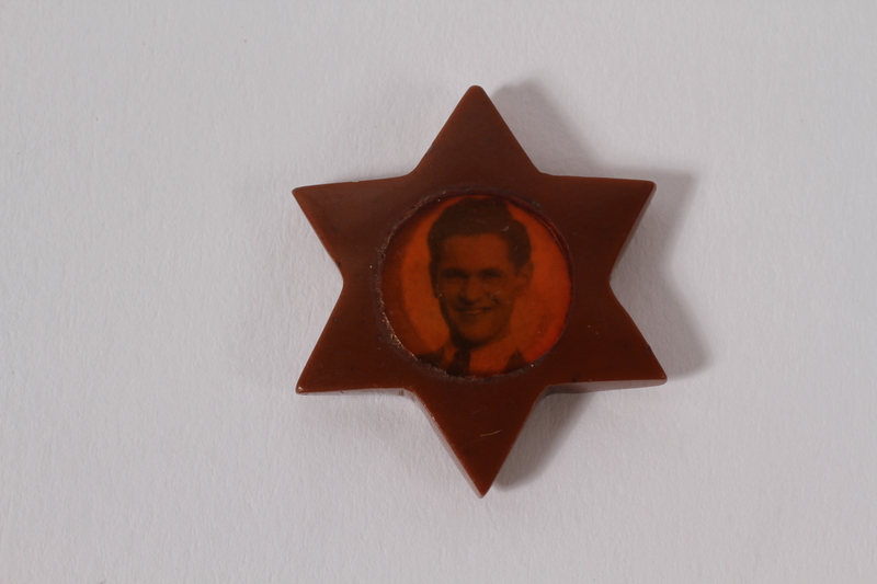 1999.178.1 back Star of David pendant