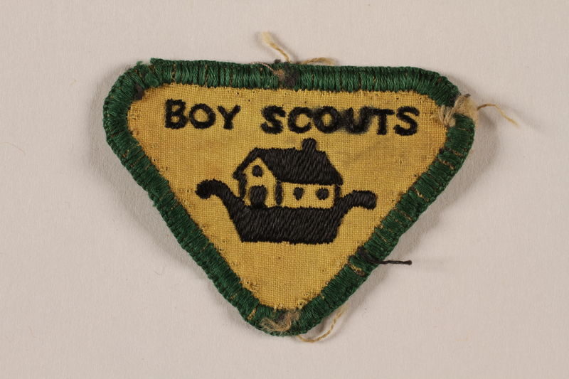 2000.24.10 front Boy Scout badge issued to Jewish refugee in Shanghai