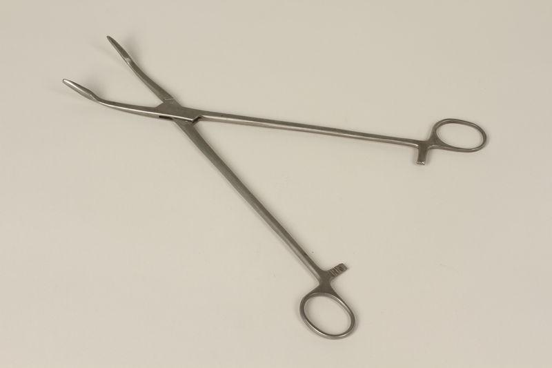 2000.242.18 front Medical instrument